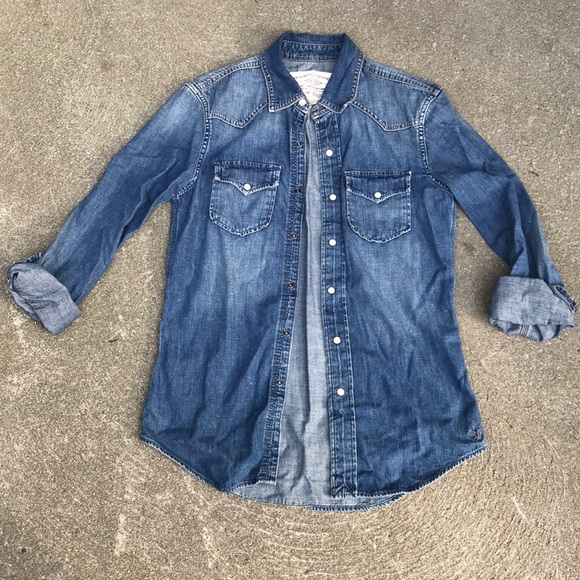 American Eagle Outfitters Tops - Boyfriend style denim shirt